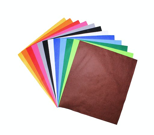 Feutrine 1 mm Polyester 45 x 50 cm Assort. 12 coupons